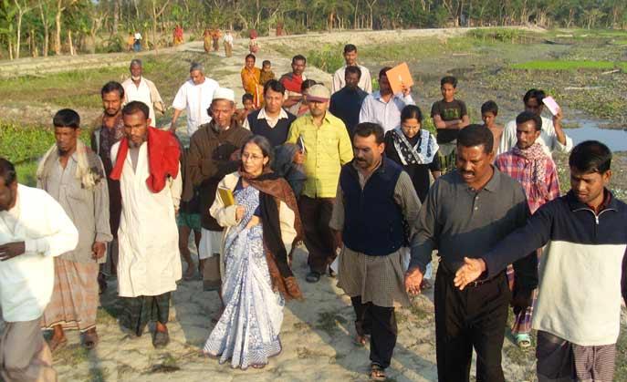 sidr affected visited village